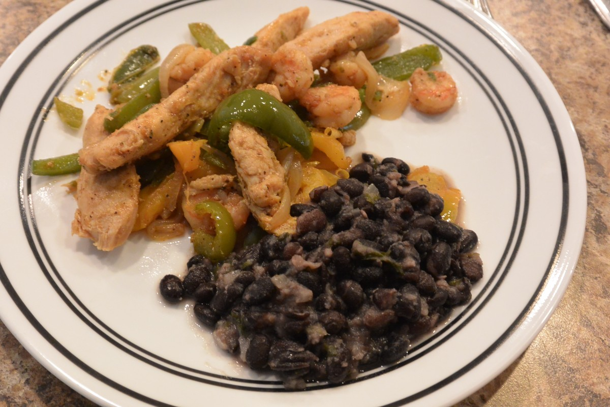 Chicken Shrimp Fajita with black beans (1)